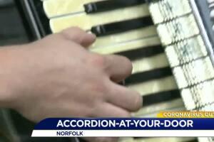 Accordion-at-your-Door
