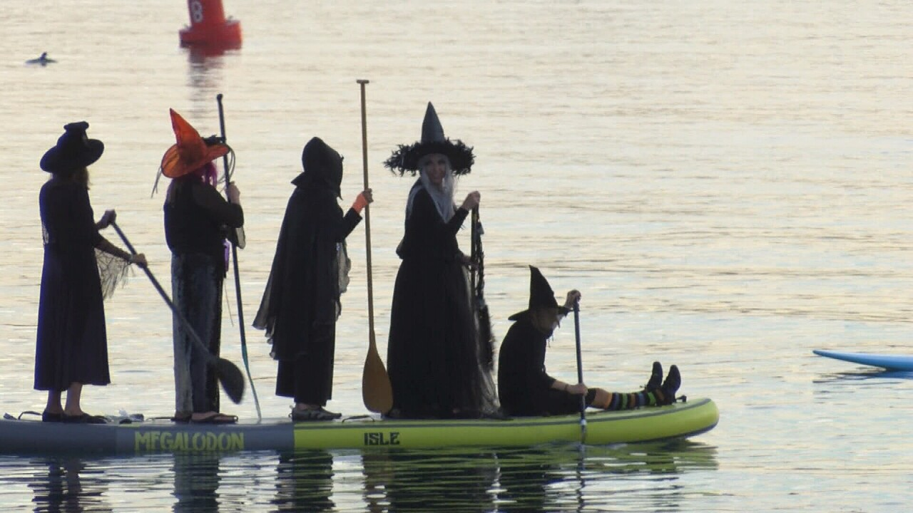 PADDLE WITCHES.jpg