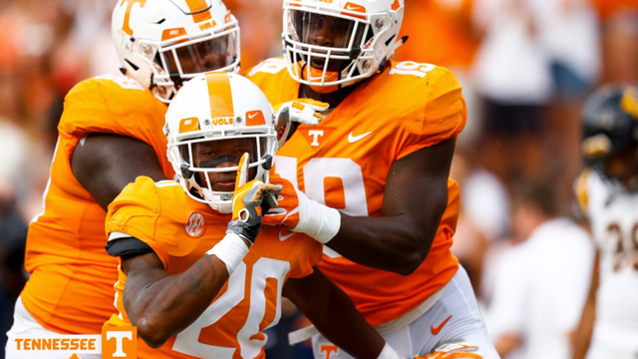 Vols Rip East Tennessee State 59-3 After 2nd-Quarter Flurry