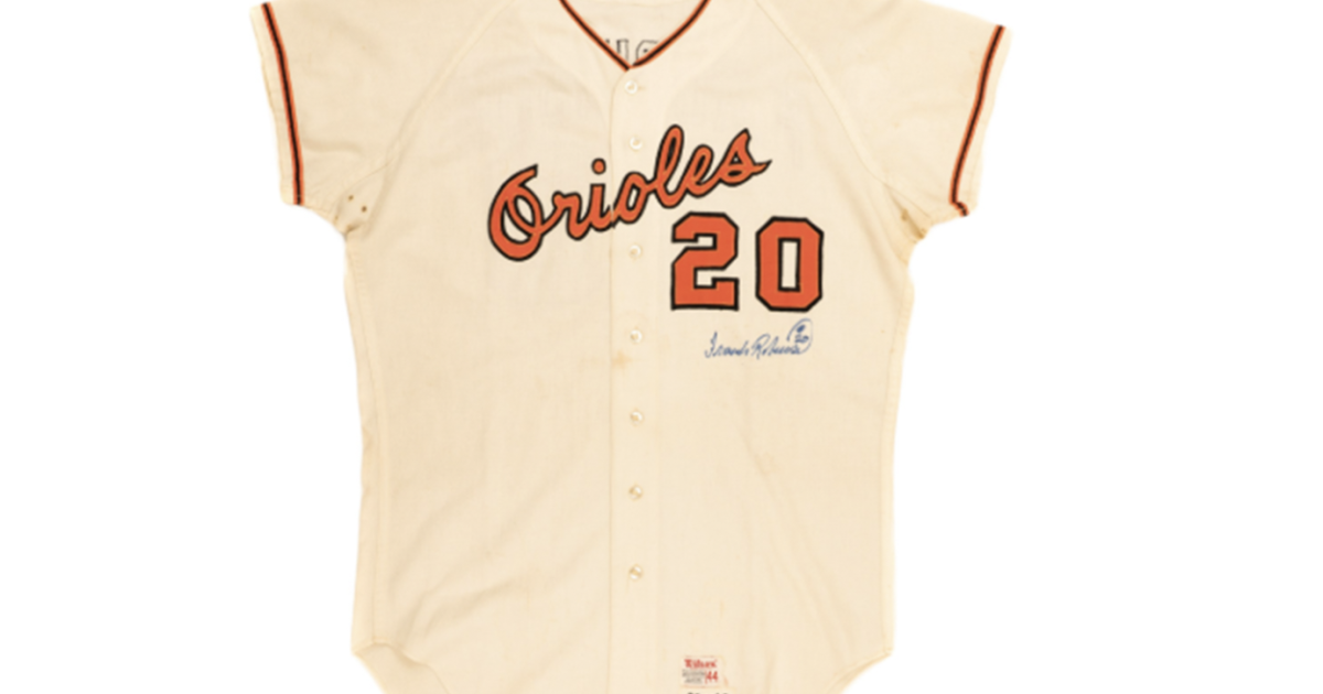 1968 signed Frank Robinson jersey sells for more than $38,000