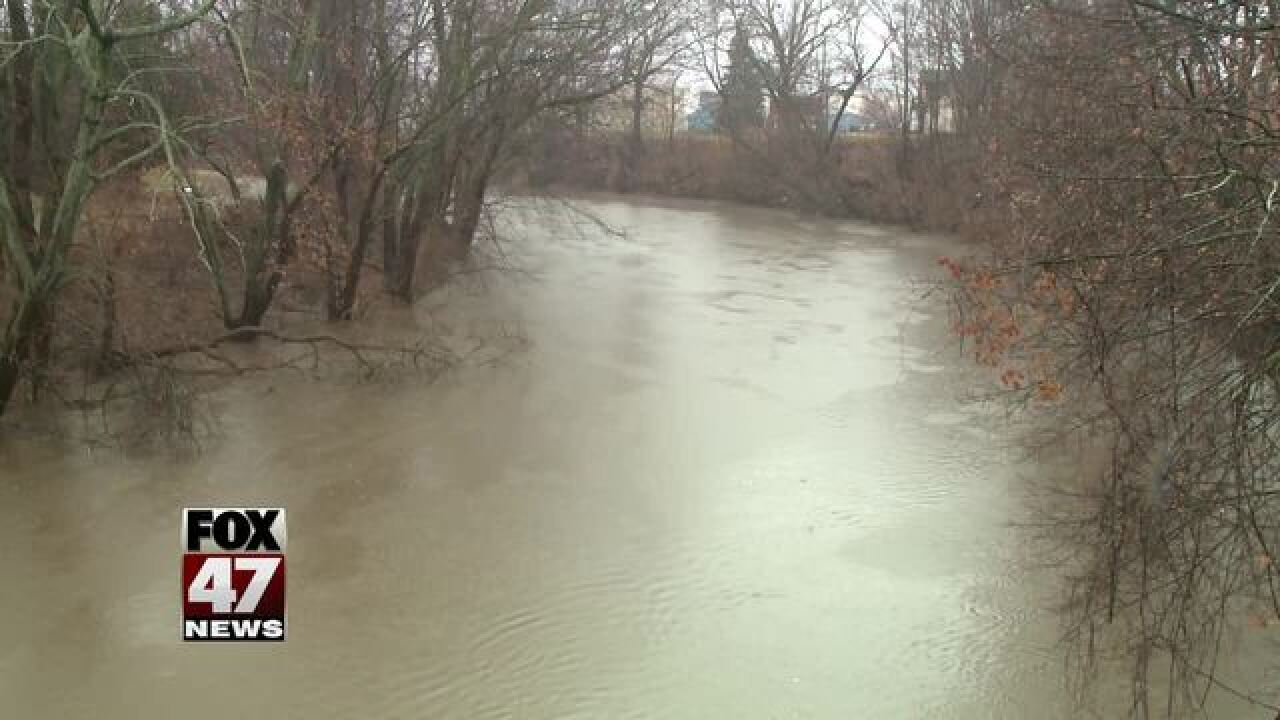 MSU closing roads, lots ahead of flooding