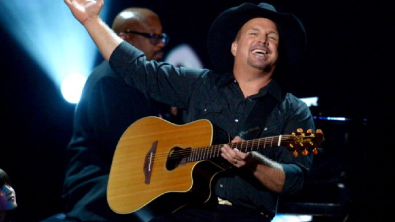 Garth Brooks sends teen fan generous gift after crash forced him to miss concert