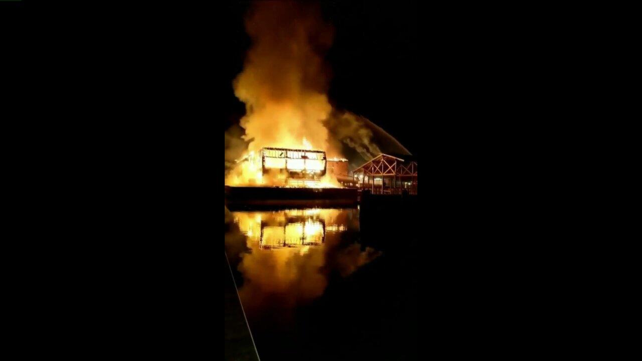 Fire destroys Surf Rider restaurant inPoquoson