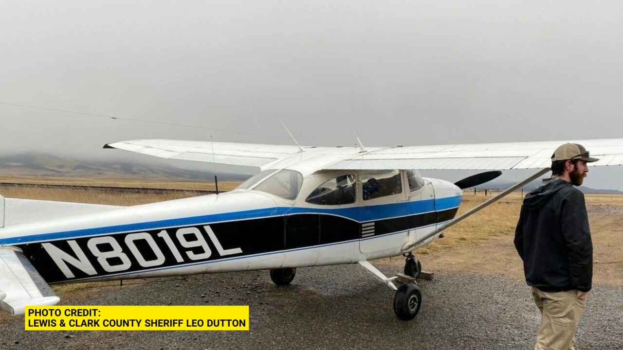 Small plane makes an emergency landing on Highway 12 near East Helena