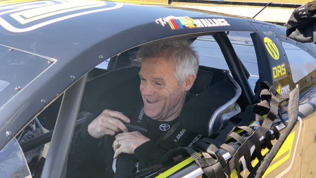 Kenny Wallace returns to Berlin Raceway