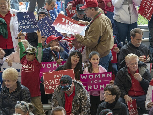 Trump supporters bundle up for Lebanon rally