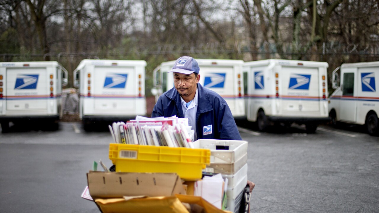 USPS announces its holiday shipping deadlines ahead of hectic season
