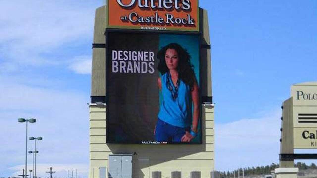 Debbie's Deals: Outlets at Castle Rock shoppers get red envelopes with gift cards, promotions