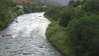 Father saves daughter who fell into river in Colorado
