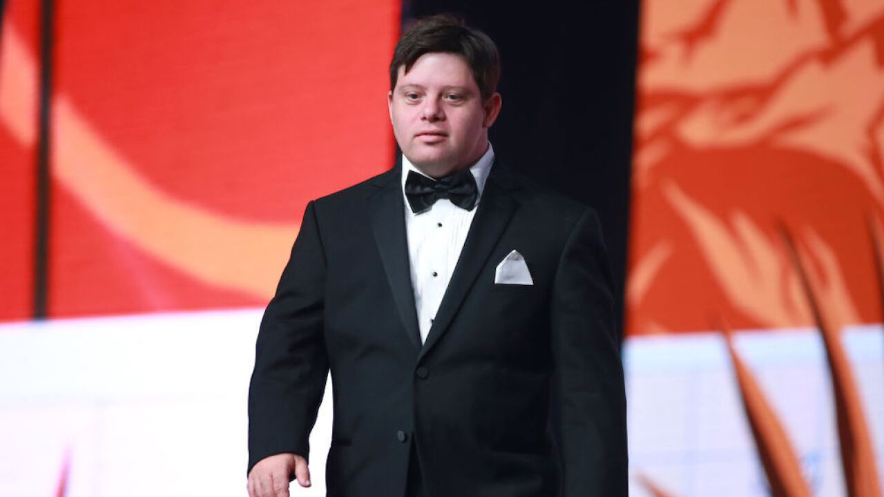Zack Gottsagen: Actor becomes first Oscar presenter with Down syndrome