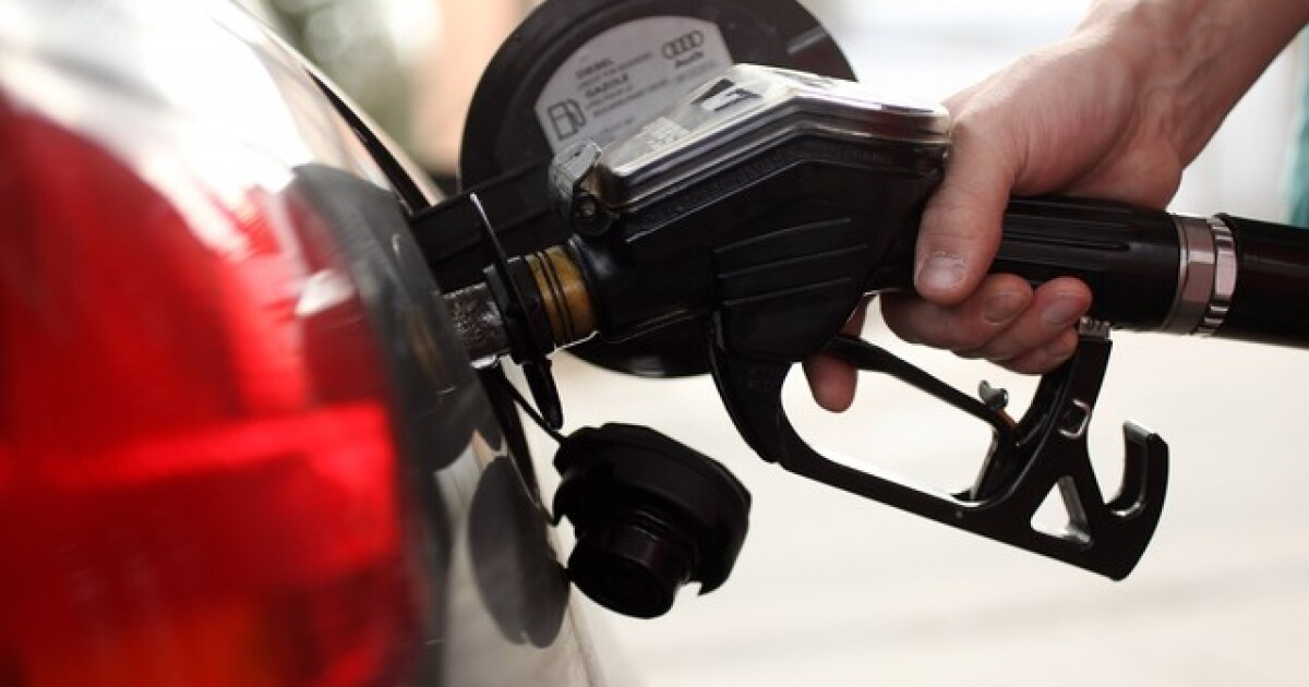 AAA Michigan: Gas prices down 11 cents compared to last week