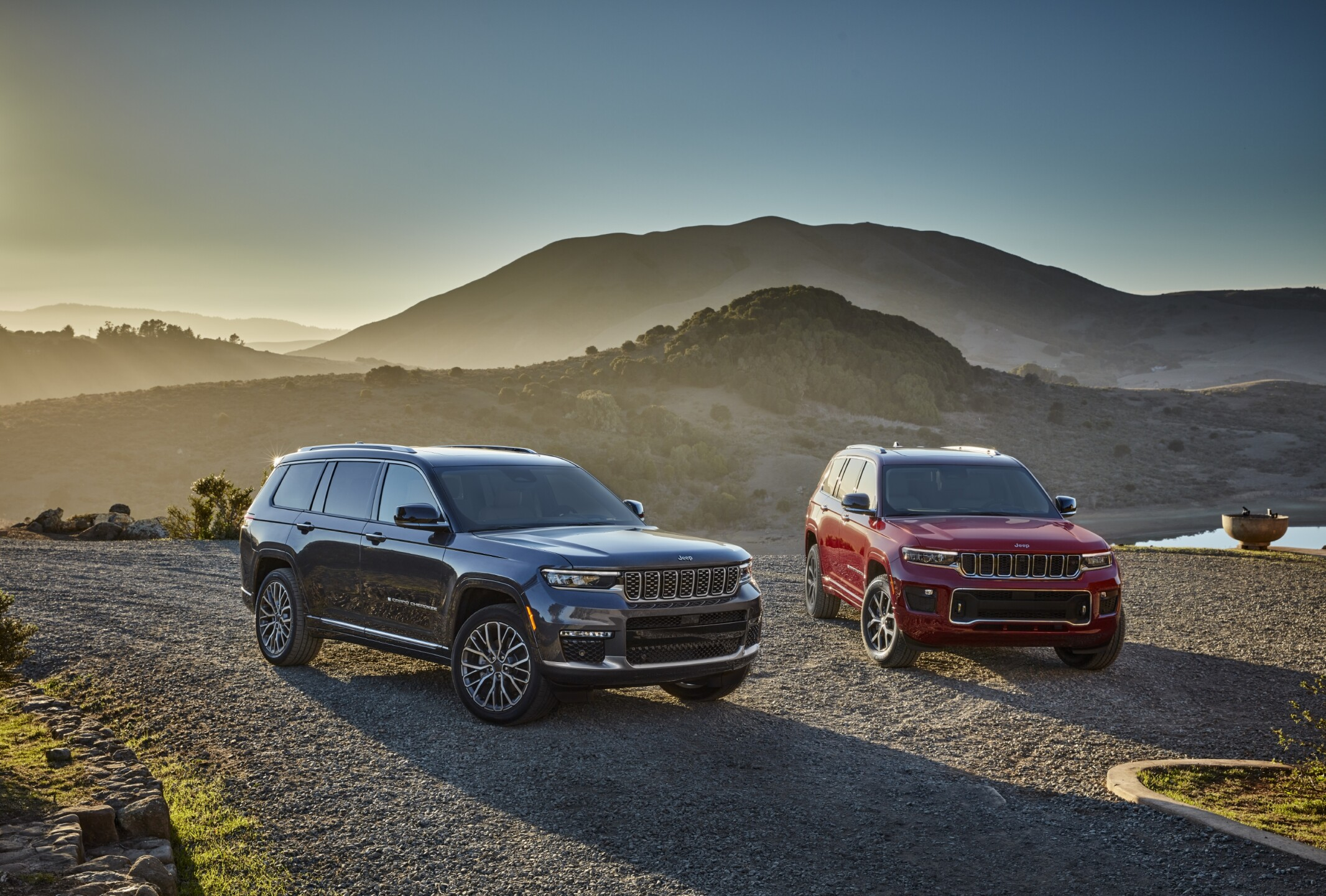 All-new 2021 Jeep® Grand Cherokee L Summit Reserve (left) and Al