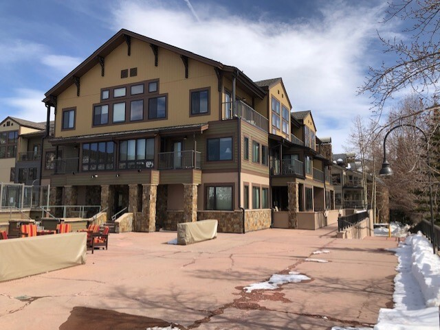 Slopeside Condominiums
