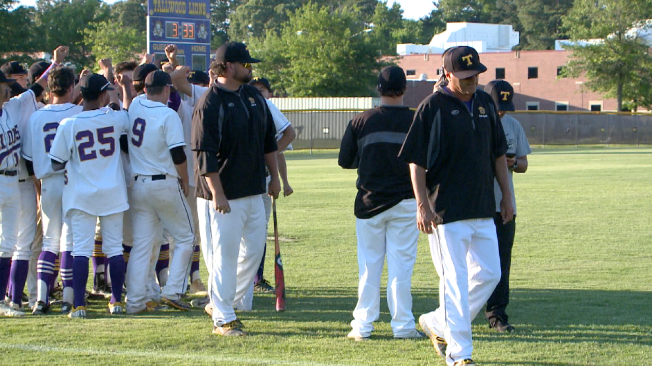 Adieu to Agreste: Tallwood High School baseball coach hangs up hishat