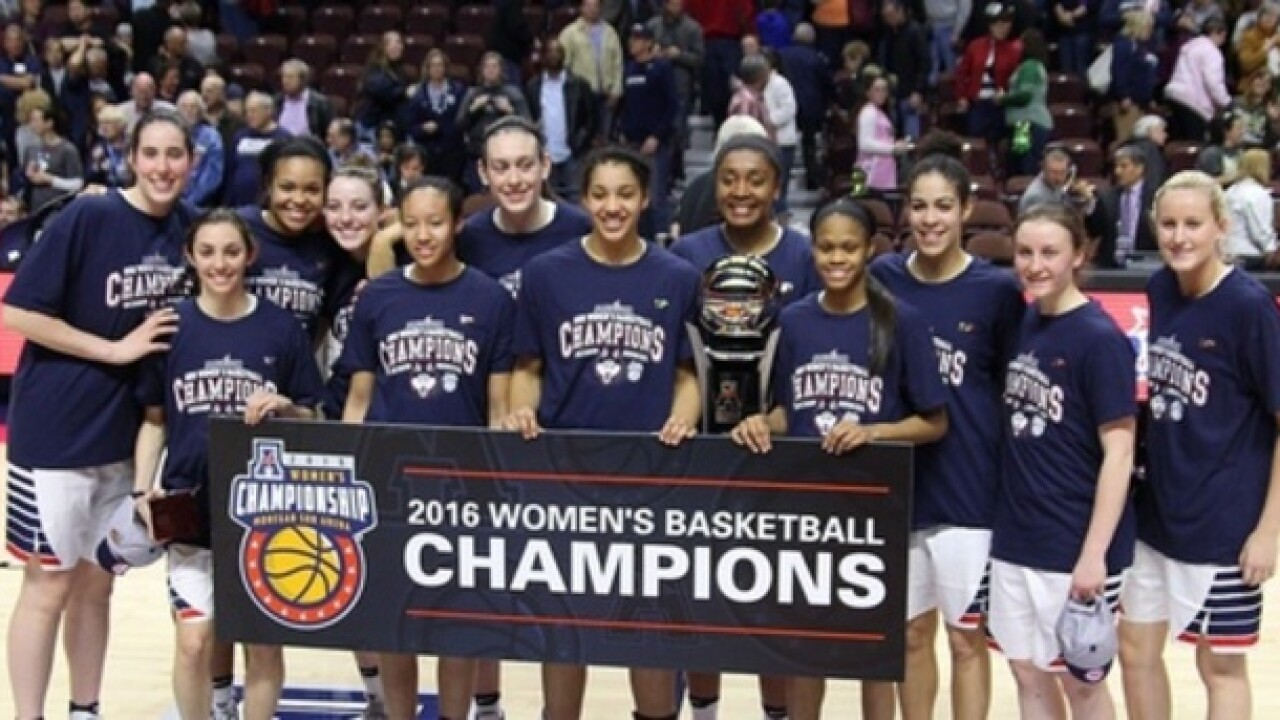 U-Conn dominates Syracuse in title game