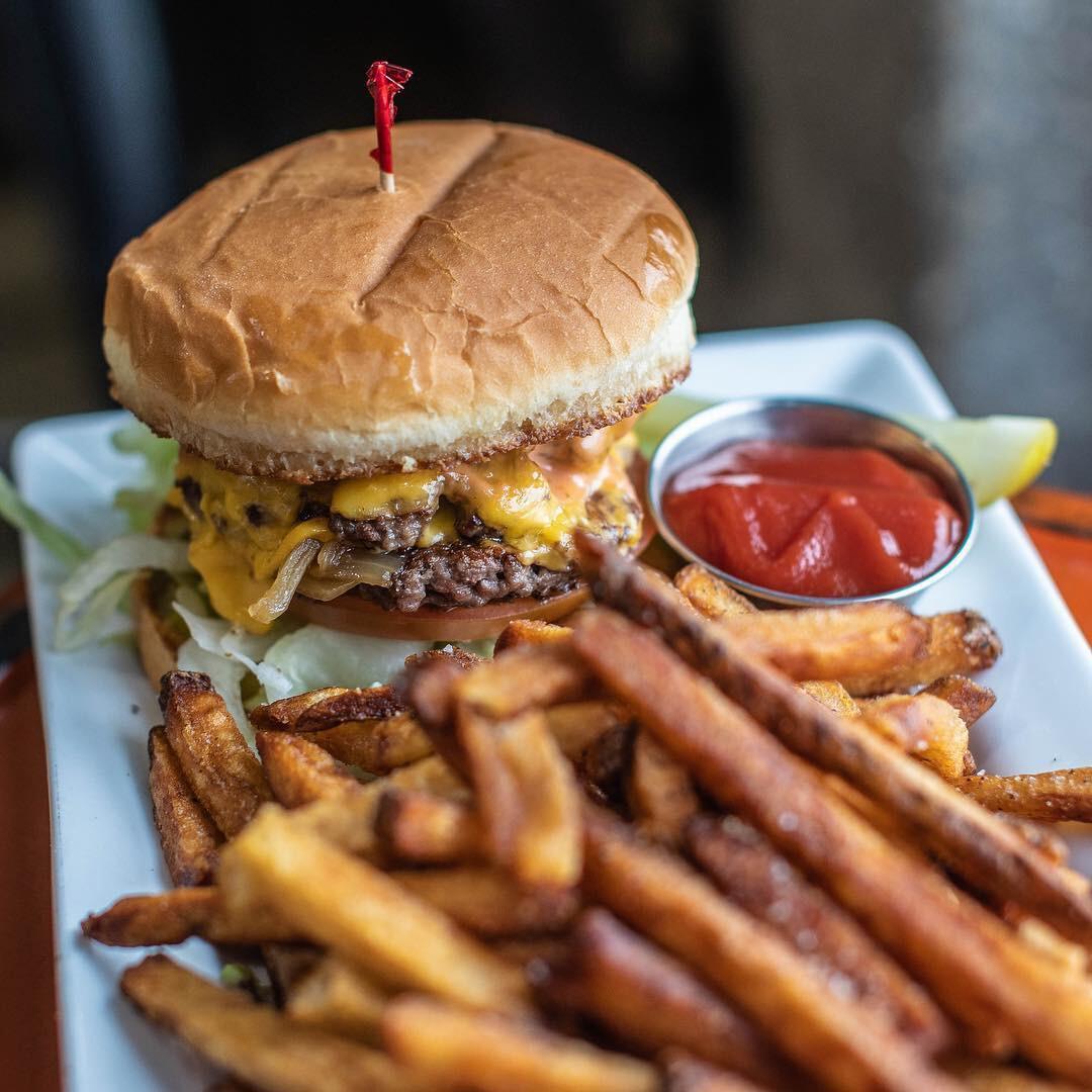 C-Cheeseburger.jpg