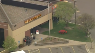 Minnesota bank hostage