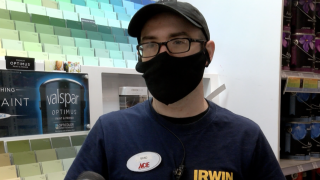 WCPO_store_manager_face_mask.jpg