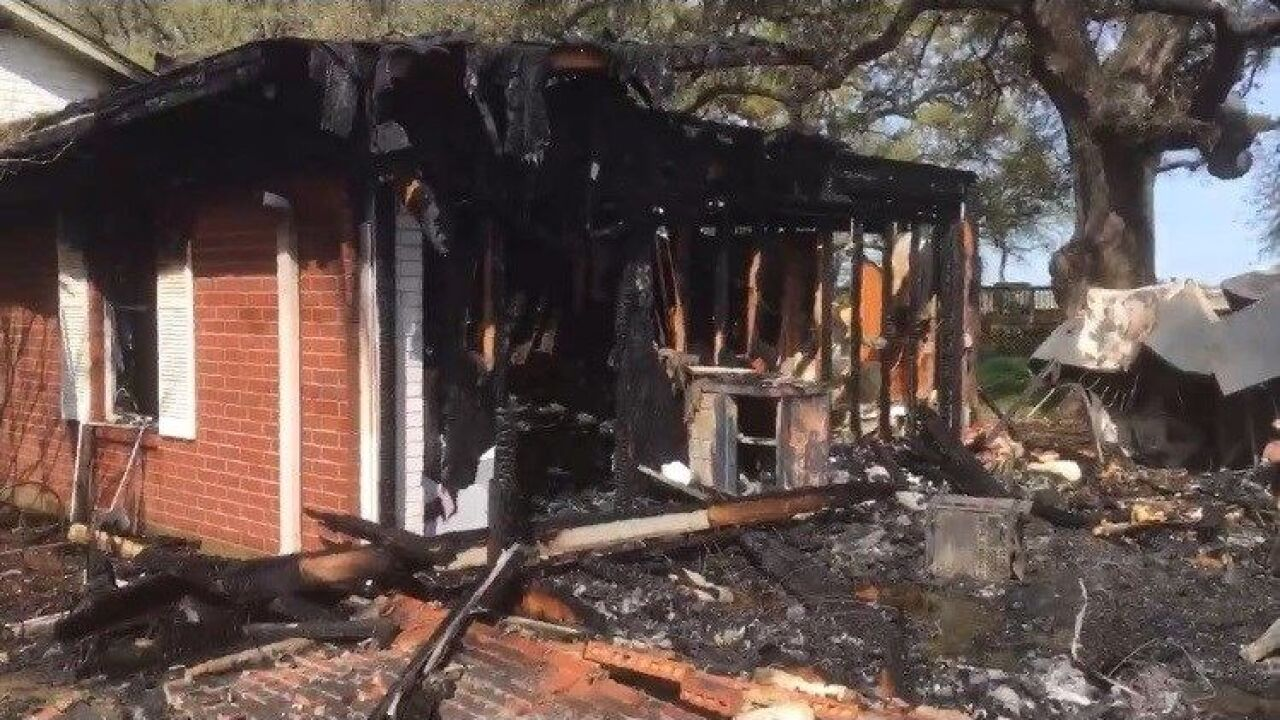 Waco firefighter loses home in fire