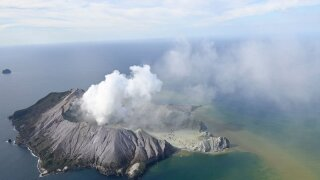 5 dead, many more missing in eruption of New Zealand volcano