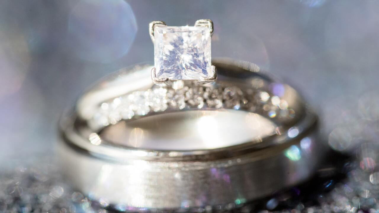 How to tell if your diamonds are lab grown, mined or fake