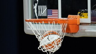 Wings Sparks Basketball
