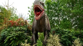 Family-friendly event brings dinosaurs to life in Kalamazoo