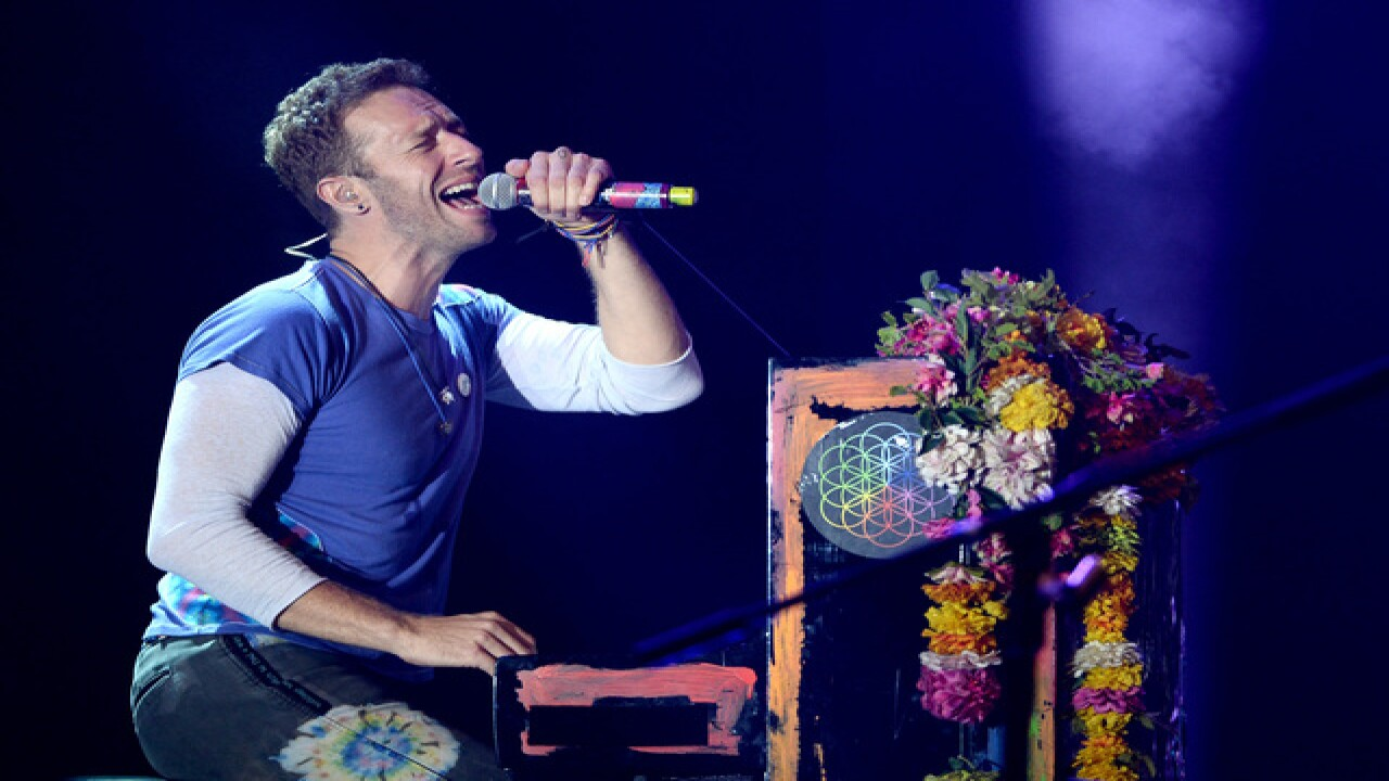 Coldplay takes Phoenix by storm August 23