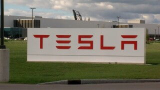 Report cites troubles for Tesla in Buffalo