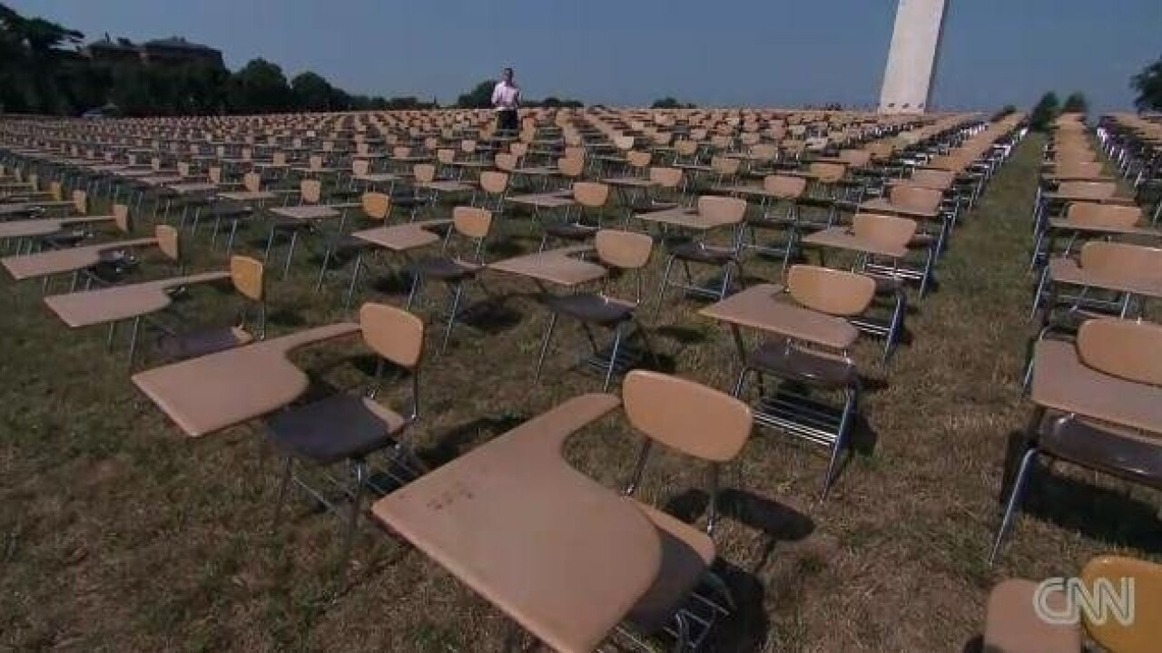 Empty desks send message to candidates