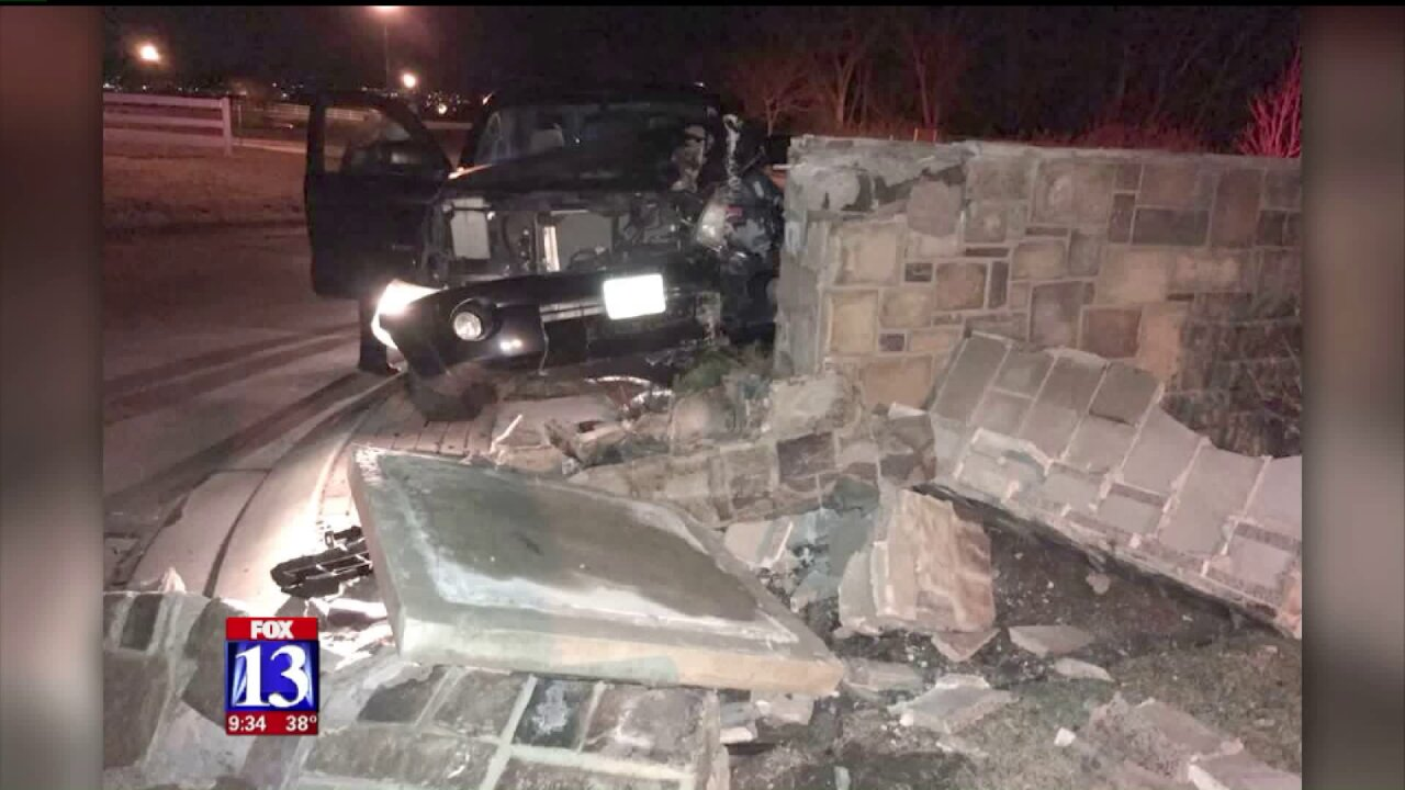 Police: DUI suspect drives through roundabout wall in SaratogaSprings