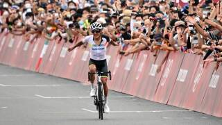 Carapaz outlasts Pogacar, U.S. rider McNulty to win road race