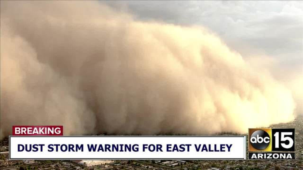 VIDEO: Massive wall of dust nears Valley