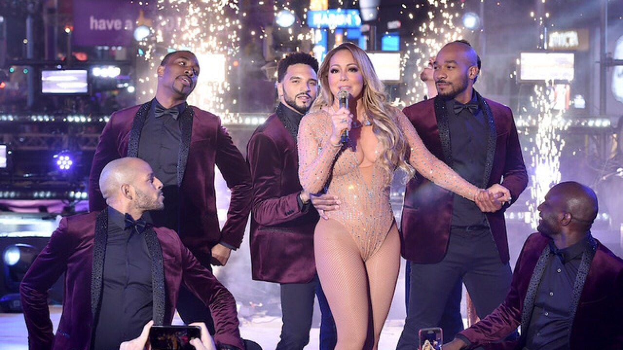 Mariah Carey tweets after awkward NYE performance in which she couldn't hear