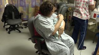 Volunteers take action to comfort newborns suffering from opioidwithdrawals