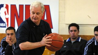 Former KSU basketball coach Tex Winter passes away