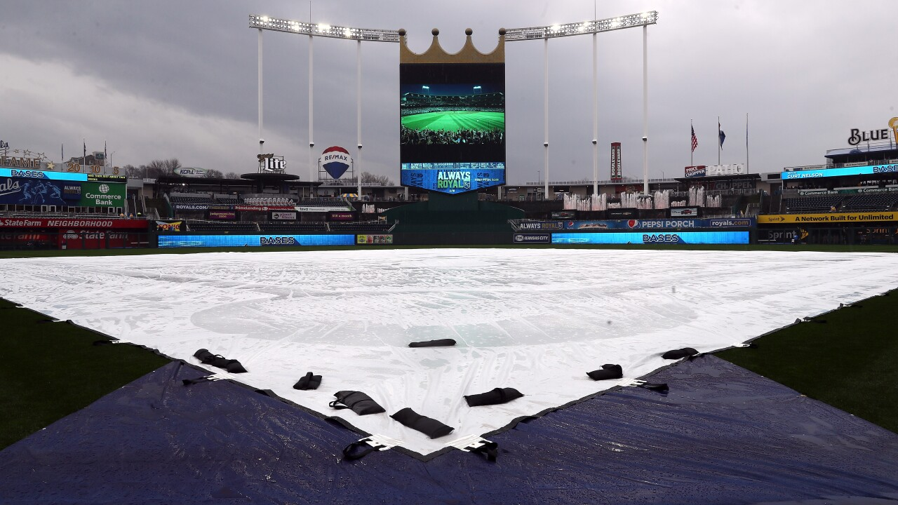 Royals rain delay on Opening Day