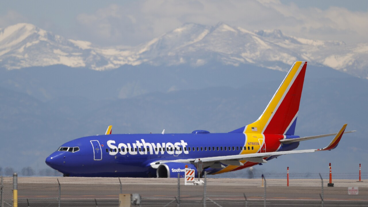 denver international airport, southwest airlines, r m