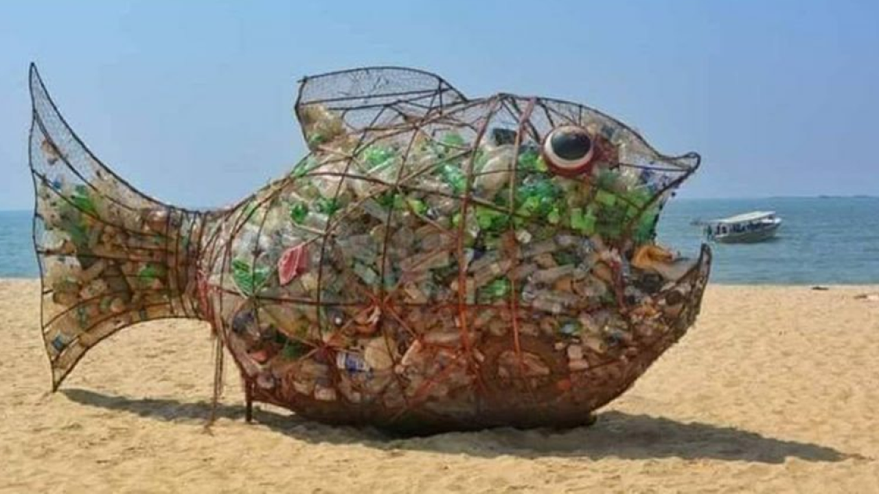 St.-Pere-Arts-Alliance-sculpture-promoting-recycling.png