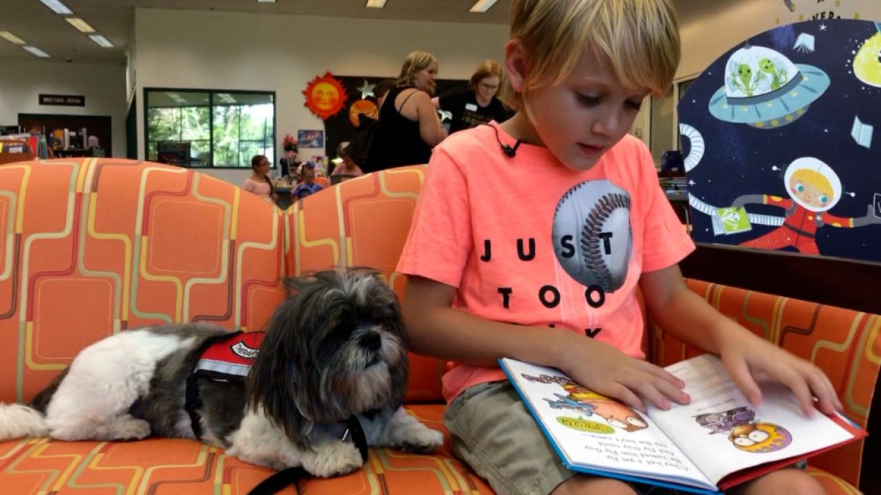 kids reading to Bonnie