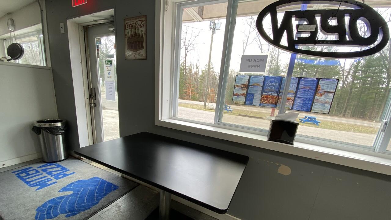 Mitten Pizza Pickup Window during Coronavirus
