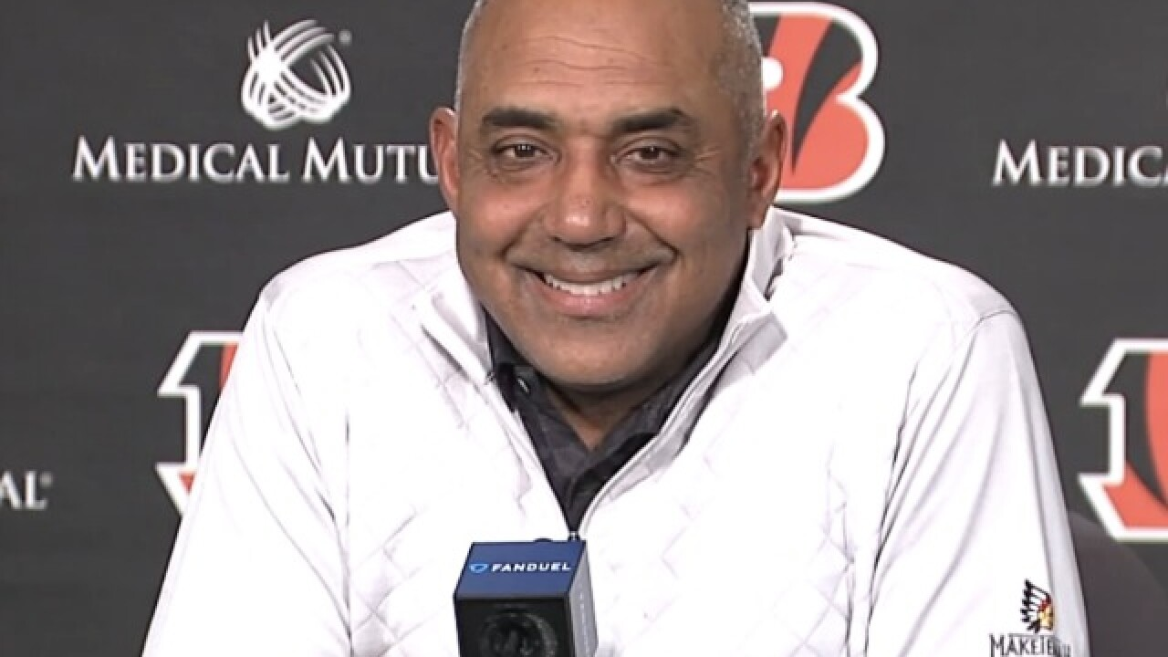 Fay: Looks like Marvin Lewis is coming back to coach Bengals in 2018