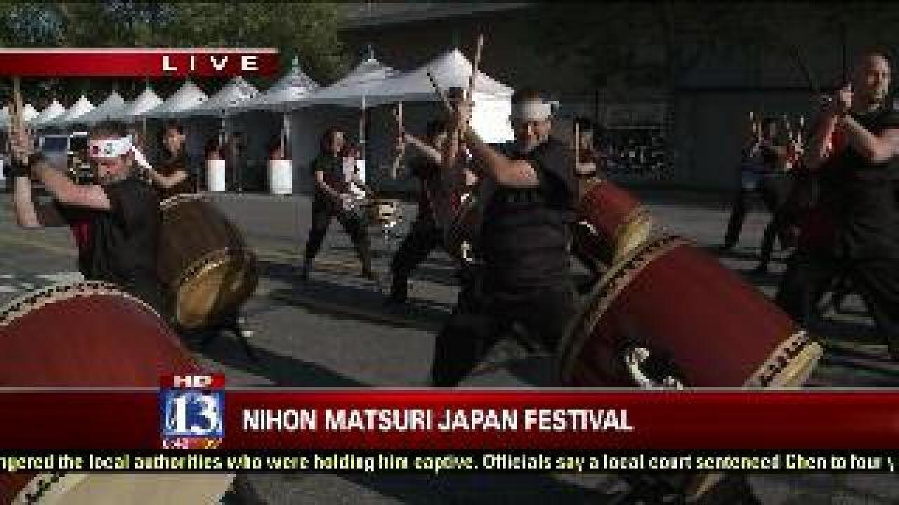 Budah checks out the NihonMatsuri Japan Festival