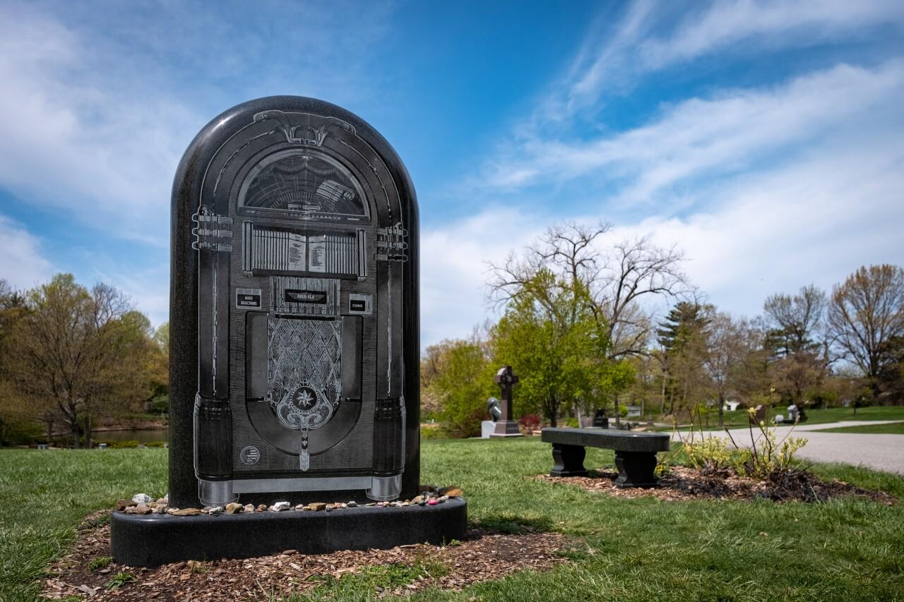 Hidden Gems - Alan Freed grave 1.jpg