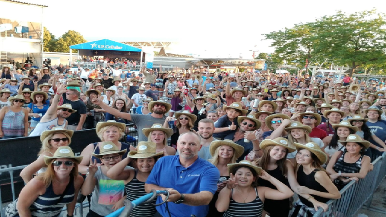 Summerfest attempts Super Selfie' Thursday