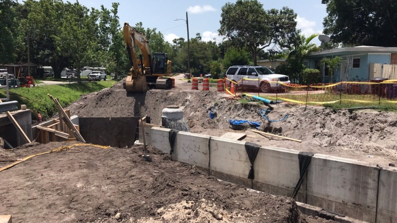 Man dies after being crushed by steel plate while working on trench in Florida