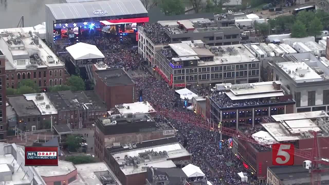 Nashville officials estimate 200,000 people filled downtown for Round 1 of the NFL Draft