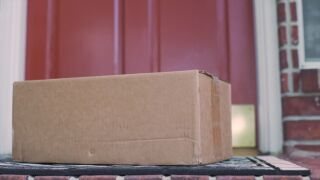 Fraudsters set sights on the upcoming busy package delivery season