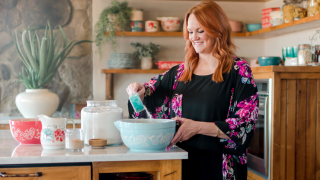 The Pioneer Woman's New Line Includes An Old-Fashioned Style Ice Cream Maker
