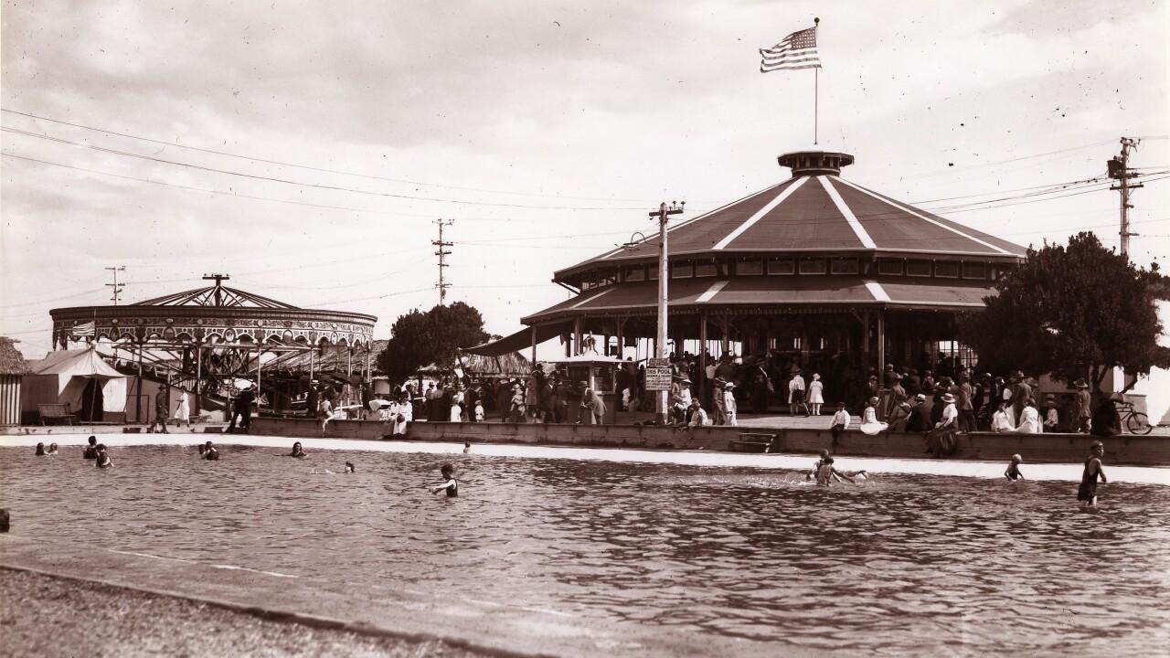 Balboa Park carousel-Coronado 1915.jpg